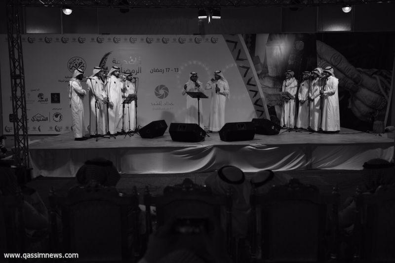 العبودي والنغيمشي يصدحان في صوتهم العذب بمهرجان حرفة الرمضاني الثالث