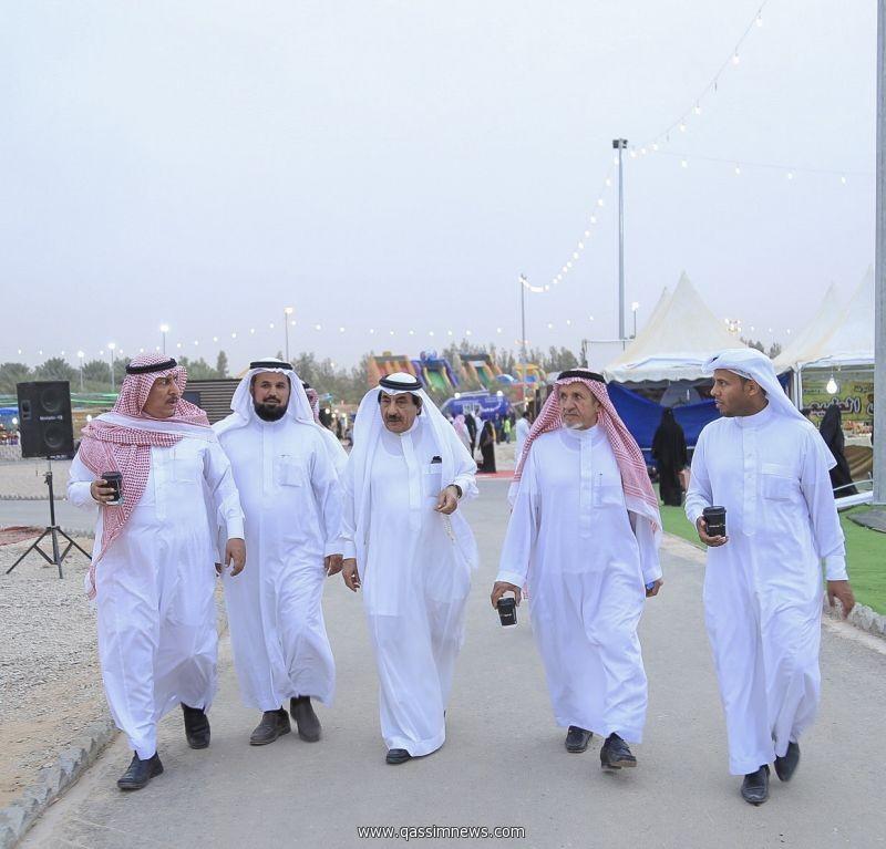رئيس وأعضاء لجنة أهالي البكيرية يزورون مهرجان الفراولة