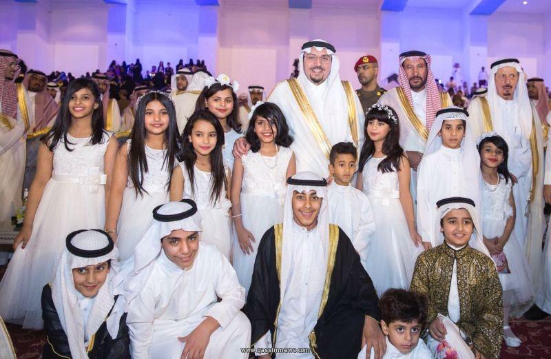 أنشودة العيد تشعل حفل اهالي القصيم