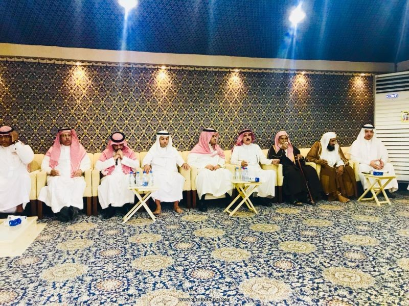 """*محافظ وأهالي البكيرية يعزون في وفاة """"محمد العساف"""" محافظ الرس"""