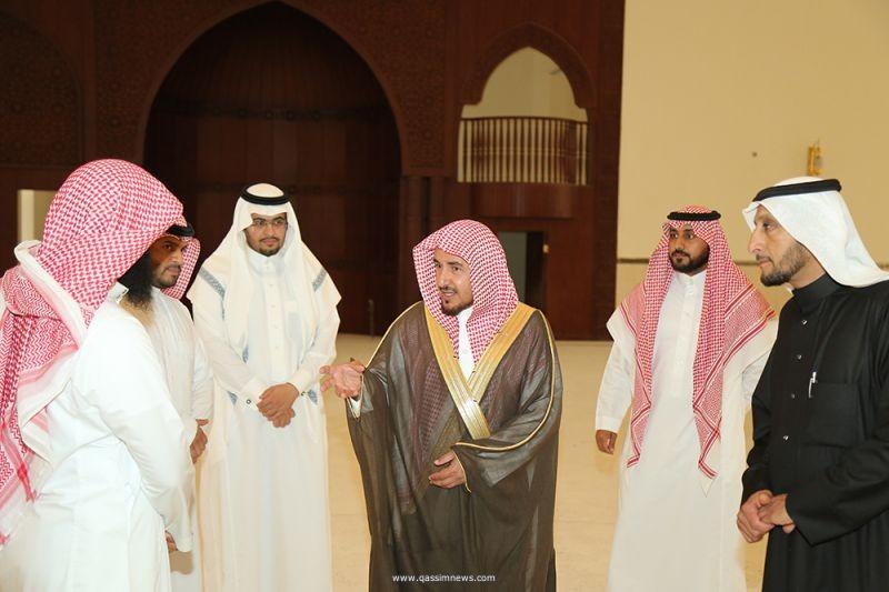 الشيخ المجماج يتفقد إدارة المساجد والدعوة والإرشاد بعيون الجواء