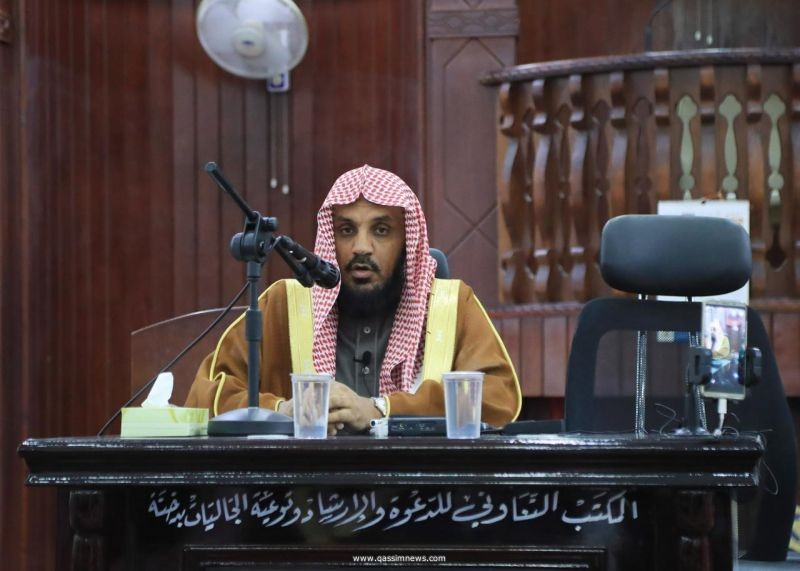 محاضرة بمركز دخنة  لفضيلة المدير العام لفرع وزارة الشؤون الإسلامية بالقصيم  بعنوان (نعمة الأمن والاستقرار )