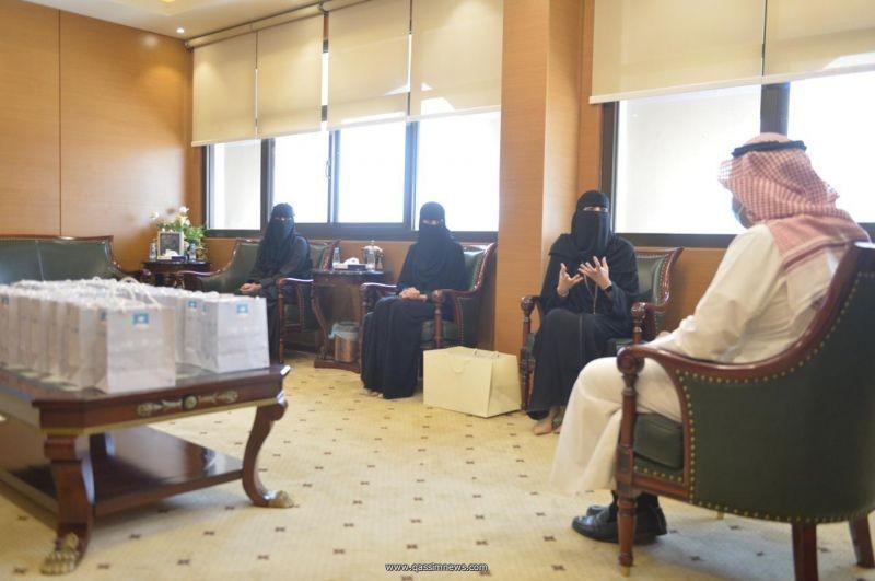 مدير عام الشئون الصحية المكلف يلتقي بمجلس فتيات القصيم