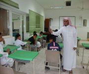 المشرف التربوي الخضير ينفذ برنامج ارتقاء في ابتدائية مجمع الامير سلطان