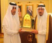 خلال استقباله لهم أمير القصيم :يشكر  الزملاء منسوبي مكتب صحيفة مكة بالقصيم على التميز في الطرح والاداء والتنوع