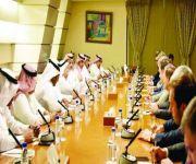 الزامل يبحث مع رئيس مجلس الأعمال الروسي العربي تعزيز علاقات التعاون الاقتصادي بين البلدين