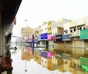 جوامع ومساجد اقتحمتها السيول في بريدة وهبوط لعدد من الشوارع