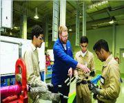«المعهد السعودي لخدمات الكهرباء» يحصل على شهادة دولية تتيح للخريجين الدراسة بالجامعات البريطانية والكليات التقنية