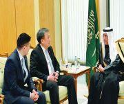 وزير المالية يؤكد اهتمام المملكة بدعم جهود التنمية في قرغيزستان