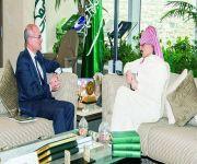 الوليد بن طلال يبحث الوضع الاقتصادي العالمي مع سفير مالطا لدى المملكة