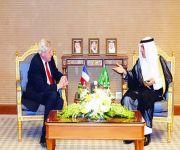 وزير الخارجية يستقبل مبعوث الرئيس الفرنسي لعملية السلام في الشرق الأوسط