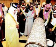 خالد الفيصل يطلع على النموذج الأولي للحواجز الذكية لإدارة الحشود