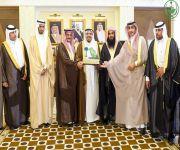 أمير القصيم يستقبل رئيس مركز الفوارة الشيخ ابن نحيت ورئيس وأعضاء المجلس البلدي بالفوارة