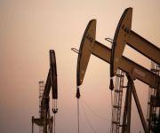 أسعار النفط تتراجع مع تجدد المخاوف من زيادة الإنتاج