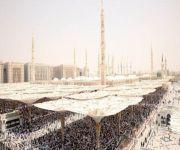 أكثر من نصف مليون يؤدون صلاة الجمعة في المسجد النبوي