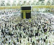 جموع المصلين يتوجهون للمسجد الحرام الليلة لأداء صلاة العشاء والتراويح والتهجد تحسباً لليلة القدر