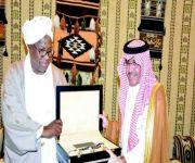 نائب الرئيس السوداني يبحث مع المنظمة العربية للسياحة أوجه التعاون المشترك