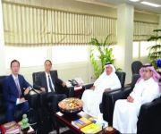 تركي بن سعود يستعرض المشروعات البحثية مع نائب مدير إدارة التكنولوجيا الصيني