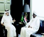 وزير العمل يبحث مع السفير السوداني تعزيز التعاون