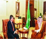 مشعل بن ماجد يلتقي القنصل العام الأميركي
