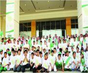 وزير التعليم يشارك في مسيرة طلابية احتفاءً باليوم الوطني