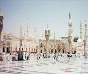 إمام المسجد النبوي يحث على لزوم الجماعة وتأليف القلوب