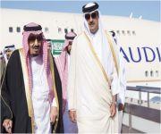 خادم الحرمين يصل إلى الدوحة