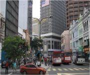 السفارة في ماليزيا تحذر المبتعثين والمواطنين أثناء التعامل مع سيارات الأجرة والباعة الجائلين