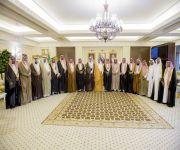 استقبل محافظ الاسياح ورئيس وأعضاء لجنة الأهالي أمير القصيم يشدد على دور لجان الأهالي في متابعة الخدمات