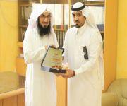 مدرسة قصر العبدالله تشكر الزميل المطيري