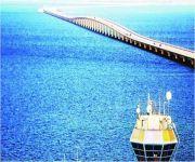 تدشين مسار للشاحنات الفارغة على جسر الملك فهد