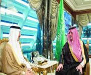 وزير الداخلية يستقبل سفيري الكويت والإمارات