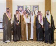 نائب أمير القصيم يستقبل رئيس وأعضاء مجلس جمعية البر الخيرية بمحافظة الأسياح
