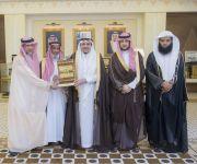 أمير القصيم يستقبل والد الفائزة بالمركز الأول بجائزة الملك سلمان للقرآن