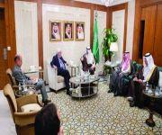 وزير الخارجية يستقبل مارتن جريفيث وعدداً من السفراء