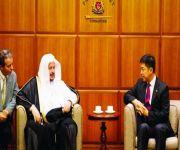رئيس الشورى يجتمع بنظيره السنغافوري.. ويؤكد تميز علاقات البلدين