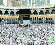 إمام المسجد الحرام يدعو الحجاج للانتظام في أداء المناسك
