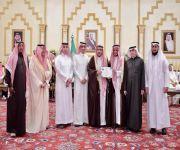 (( أمير القصيم يكرم مديرية خدمات المياه لمشاركتها بحفل زيارة خادم الحرمين الشريفين للمنطقة