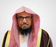 """نائب وزير الشؤون الإسلامية يطمئن على صحة """"خطيب الجمعة"""" المعتدي عليه"""