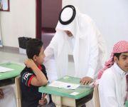 """17 ألف طالبا وطالبة يؤدون اختباراتهم النهائية بـ «تعليم عنيزة».. و""""الفريح"""" يتفقد عدة مدارس"""