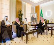 نائب أمير القصيم يستقبل رئيس وأعضاء لجنة الأهالي بمدينة بريدة