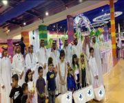 فريق المنظمة العربية للسلام والتنمية ينظم فعاليات توزيع عيديات على الأطفال