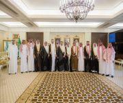 أمير القصيم يستقبل رئيس وأعضاء لجنة التنمية الاجتماعية الأهلية بالهمجة