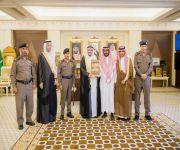 أمير القصيم يكرم المواطن عبدالله الحربي نظير عمله الإنساني والتطوعي