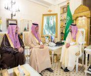 """أمير القصيم يستقبل مديرا إدارة الكهرباء بالمنطقة """"المتقاعد والمكلف"""""""