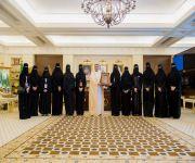 أمير القصيم يكرم أمين مجلس فتيات المنطقة وعضوات المجلس بعد نجاح معسكر تبيان البرمجي