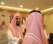 مدير عام فرع الشؤون الإسلامية بالقصيم يكرم عدد من موظفي أمانة المنطقة