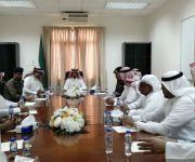 رئيس مركز البطين يعقد إجتماع مع مسؤولي الدوائر الحكومية لمناقشة احتفالات يوم الوطن