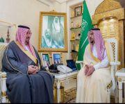 """أمير منطقة القصيم يلتقي مدير ميدان الملك سعود للفروسية لمناسبة رفع تصنيفة لفئة """" أ """""""