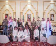 الأمير فيصل بن مشعل يكرم مسؤولي الجهات أعضاء لجنة السعودة نظير تميزها في أداء عملها بالمنطقة